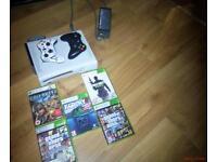 Xbox 360 white 80 GB HDMI 2 wireless controllers