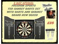 DARTBOARD BRAND NEW BOXED 2 DAY SPECIAL £25