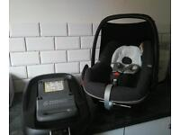 Maxi cosi pebble with lots of extras