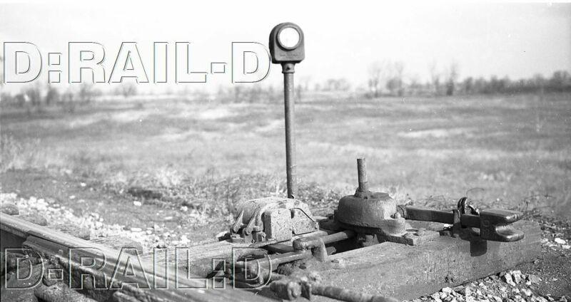 9C905 NEG/RP 1940s/50s RAILROAD TRACK SWITCH