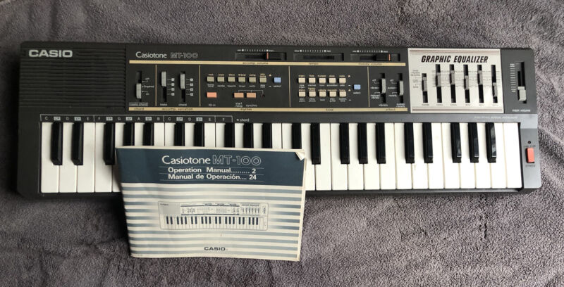 Casio MT-100 Casiotone Electronic Keyboard With Manual