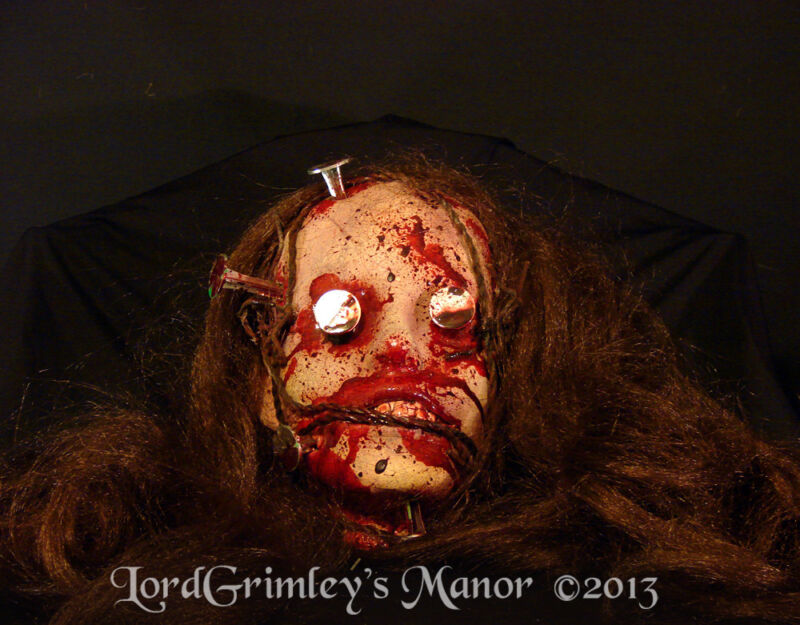Bloody Severed Impaled Female Zombie Head Halloween Prop Horror Undead