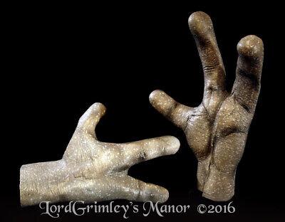 3 Finger Grey Alien Hands Halloween Prop Decor Decorations Haunt Gloves UFO ET - Alien Halloween Decorations