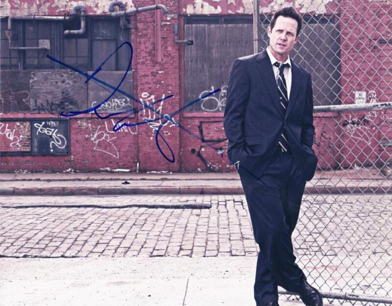 DEAN WINTERS SIGNED 8X10 PHOTO AUTHENITC AUTOGRAPH LAW AND ORDER COA