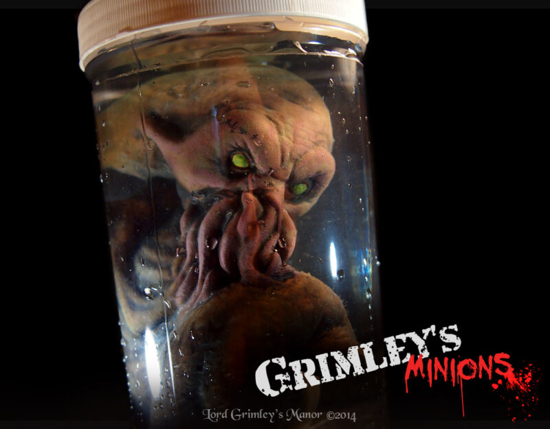 Cthulhu Spawn Embryo HP Lovecraft Specimen in a Jar Halloween Horror Alien Deep
