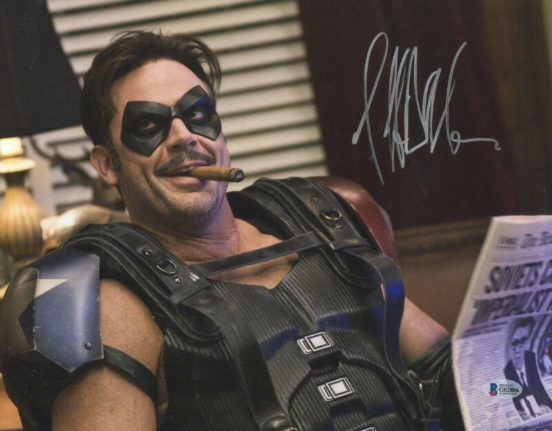 JEFFREY DEAN MORGAN SIGNED 11X14 PHOTO WATCHMEN COMEDIAN AUTOGRAPH BECKETT COA E
