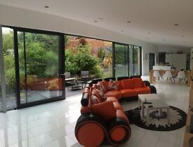 STUNNING CONTEMPORARY 4 BED 'GRAND DESIGN'