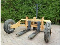 Rough terrain pallet truck 1500kg Hardly used £700 ONO
