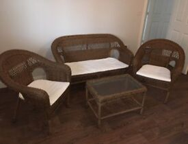NEW NEXT RATTAN GARDEN SUITE RRP 1100 DELIVERY FREE