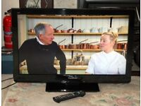 Panasonic 32 inch HD Ready LCD TV with Freeview HD