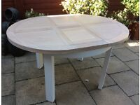 Gorgeous Solid Washed Oak, Extending Dining Table, Never Used.