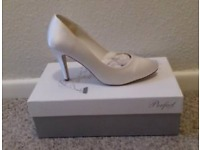 Brand new size 5 wedding shoes