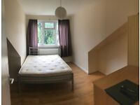ALDGATE EAST, E1, EXCELLENT 5 BEDROOM, 2 BATHROOM TOWN HOUSE