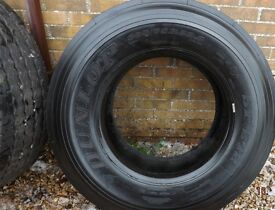 DUNLOP SP242 -- 385 x 65 x 22.5 -- SUPER SINGLE / TRAILER / STEER TYRE