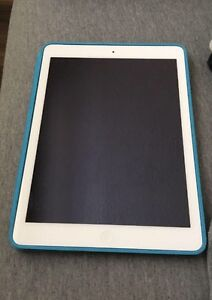 Older generation lightly used 32 GB ipad