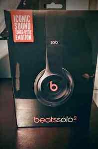 Beats Solo 2 headphones *UNOPENED* London Ontario image 1