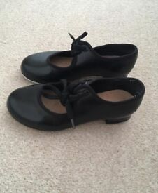 Tap Shoes Girls Size 9.5
