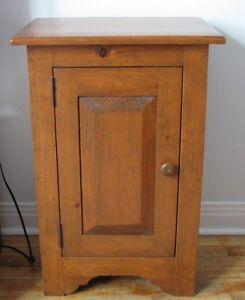 Petite armoire en pin - Small Pine cupboard