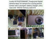 Lovely little HP PHOTOSMART 7MP DIGITAL CAMERA