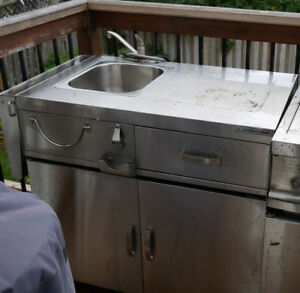 STAINLESS PATIO KITCHEN CART OUTDOOR WITH FRIDGE AND SINK