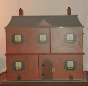 Madeline Doll House