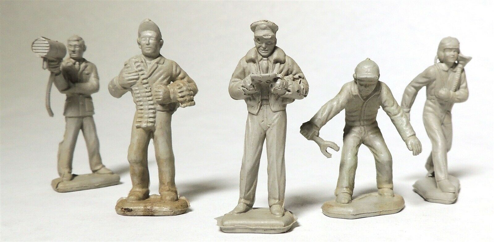 A0609 VINTAGE Lot Of 5 Air Force Figures By MARX Cape Canaveral 1954  - $10.00