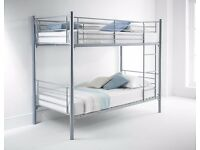 == EXCELLENT VALUE == BRAND NEW SINGLE WHITE METAL BUNK BED THAT SPLITS INTO 2 SINGLE BEDS