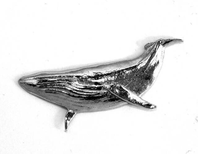 Humpback Whale Pin Badge in Fine English Pewter, Handmade (ae-1)