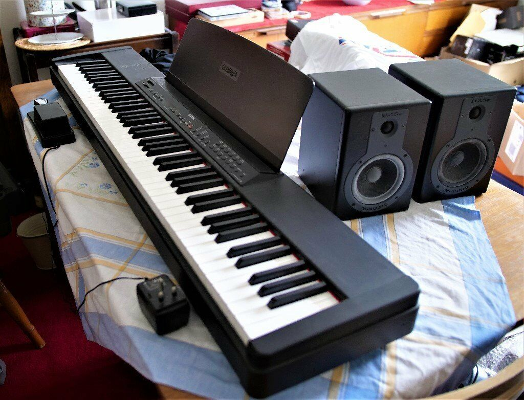 Yamaha P90 Electric Piano With M Audio Bx5a Speakers
