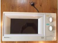Matsui 800watt Microwave Oven