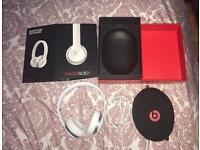 Beats Solo 2 Headphones in white RRP £170