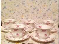 Vintage set of tea cups in good condition, 1960s.