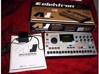 Machinedrum SPS1-UW Mki drum machine groovebox