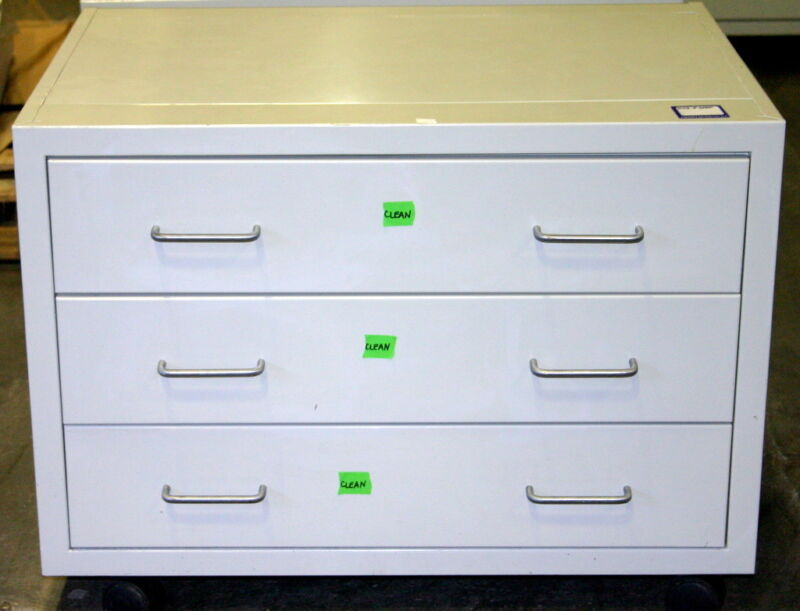 LF SYSTEMS LABORATORY CABINETS, CASEWORK, 7.5 FEET, INCLUDES WHEELS