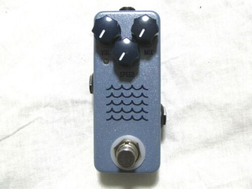 Used JHS Tidewater Tremolo Guitar Effects Pedal