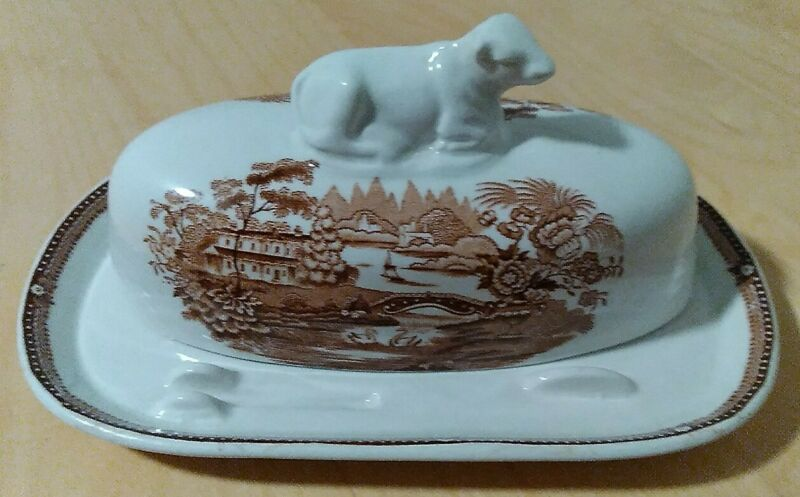 RARE ROYAL STAFFORDSHIRE Tonquin Clarice Cliff COVERED BUTTER DISH Brown/Wht