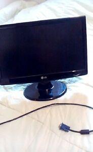 LG FLATRON W1943SS Monitor FOR SALE!!