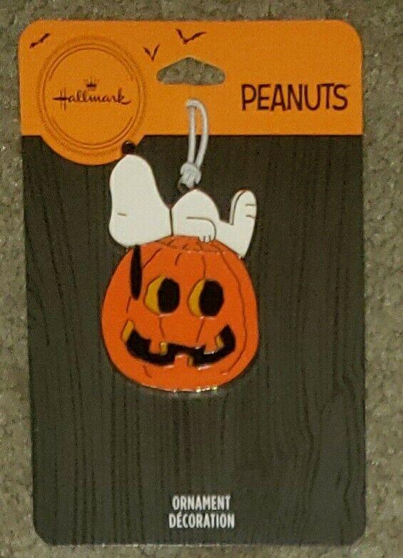 Hallmark 2021 Halloween Peanuts Snoopy On Pumpkin Flat Metal Ornament Brand New