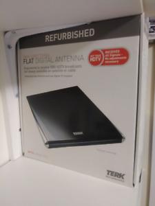 TERK Omni-Directional, Amplified Digital Flat Indoor HDTV Antenn