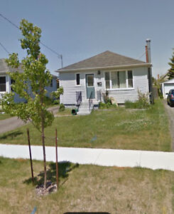 two bedroom single house in Grape View area