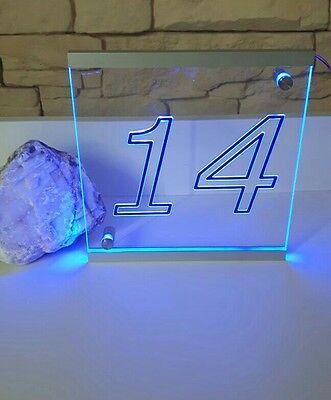 Led Hausnummer, gefertigt nach Kundenwunsch mit Integriertem Tag & Nacht Sensor