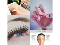BEAUTY THERAPIST ( gel polish, facials, eyebrow tint, party lashes, eyebrow lamination )
