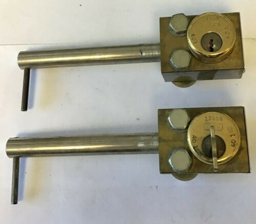 ABB 521599 KEYED LOCK OUT ASSEMBLY ITEM A (ONE MISSING KEY)***LOTOF2***