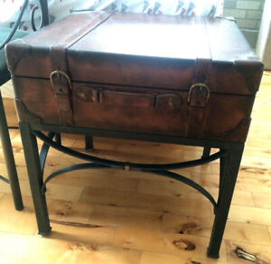 $40......*** Table Salon / Appoint **