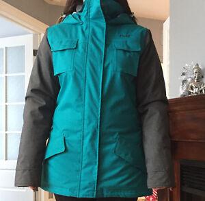 Manteau et pantalons d'hiver neufs