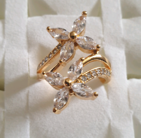 Brand new gold plated with tiny crystal, ring