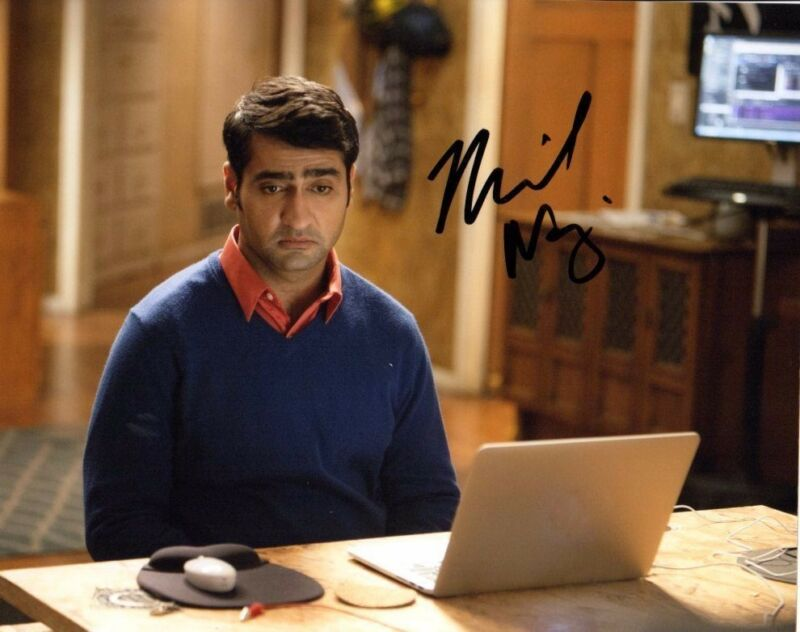 Kumail Nanjiani Silicon Valley Autographed Signed 8x10 Photo COA #4