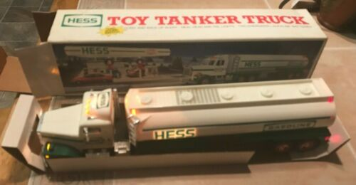 1990 NEW HESS Oil Co Toy Tanker Truck  with Horn & Back-Up Alert & Lights Tested