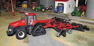 1/64 Ertl Case IH Magnum 340 RowTrac Tractor & True Tandom 330 Turbo Disk