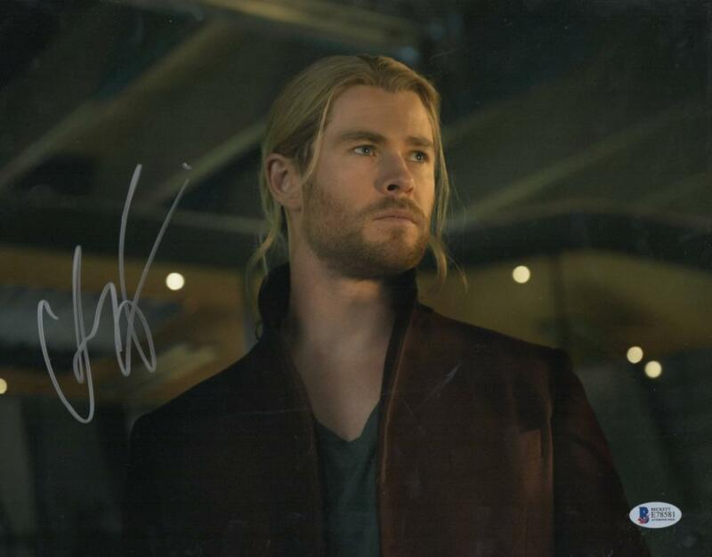 CHRIS HEMSWORTH THOR SIGNED 11X14 PHOTO THE AVENGERS AUTOGRAPH BECKETT COA H